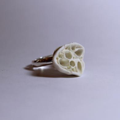 Bague inspiration corail en alvéoles de porcelaine blanche, anneau réglable en argent